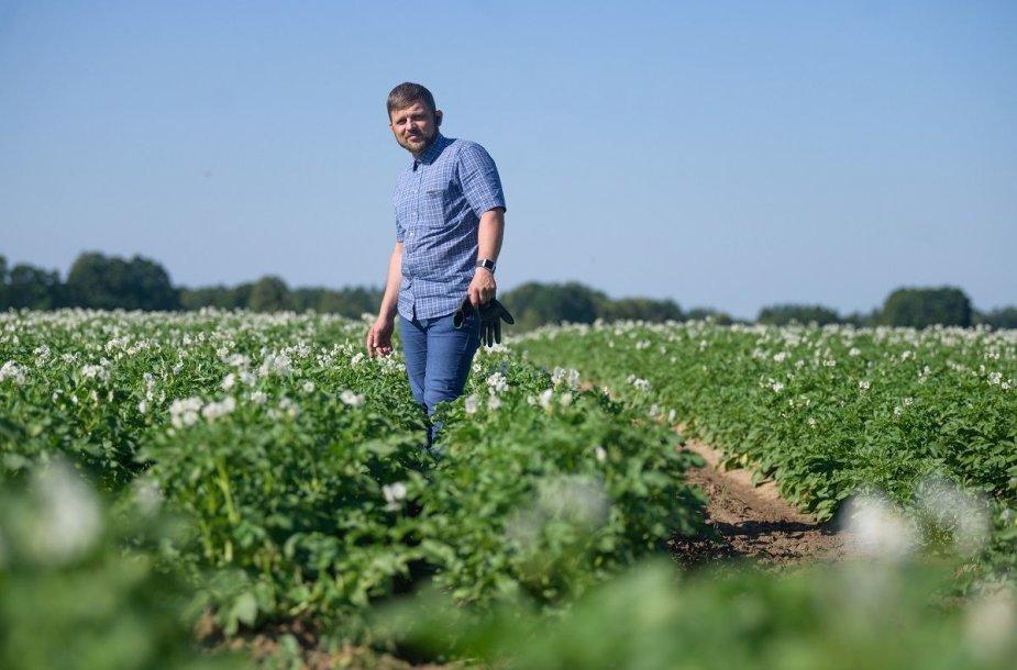 """1.Daržoves Šakių rajone auginantis ūkininkas, kooperatyvo """"Suvalkijos daržovės"""" vadovas Martynas Laukaitis pastebi: parama jo ūkiui bus labai pravarti."""