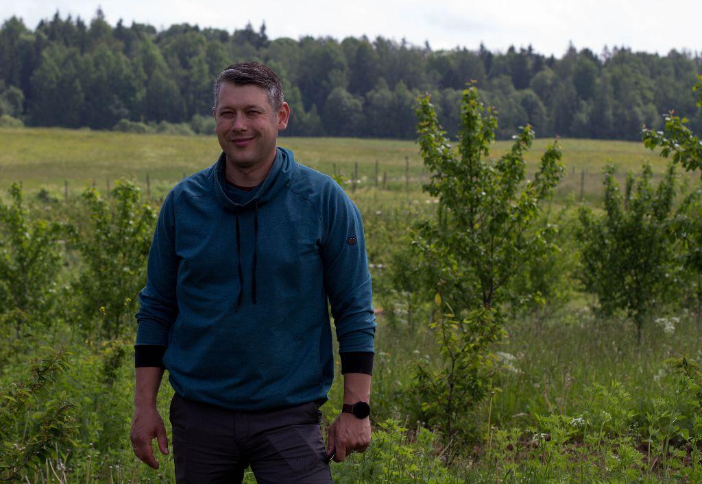 Pasak Rolando Lančicko, savo šeimos ūkiui modernizuoti jis gavo beveik 15 tūkst. eurų paramos. Karolinos Baltmiškės nuotr.