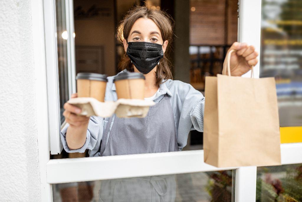 Nuo Covid-19 pandemijos nukentėjusios įmonės gali pasinaudoti valstybės pagalbos instrumentais.