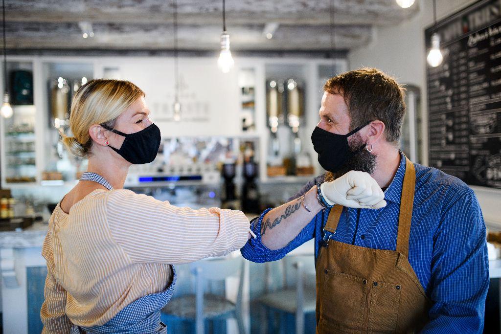 Covid-19 pandemijos akivaizdoje daugeliui įmonių tenka prisitaikyti prie naujų veiklos sąlygų